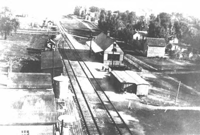 Photo of the Pumpkin Vine Railroad in Middlebury facing north
