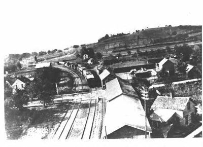Photo of the Pumpkin Vine Railroad in Middlebury facing south
