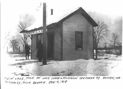 Photo of Twin Lakes depot